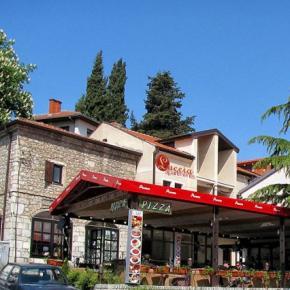 Albergues - Luccia Apartments