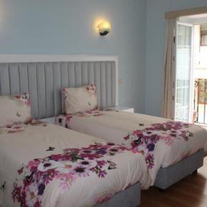 Albergues - Grande Oceano Guest House