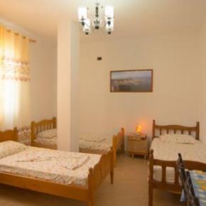 Albergues - Almiri Guest House