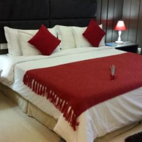 Albergues - Mondrian Suite Hotel