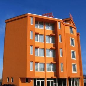 Albergues - Hotel Verdina