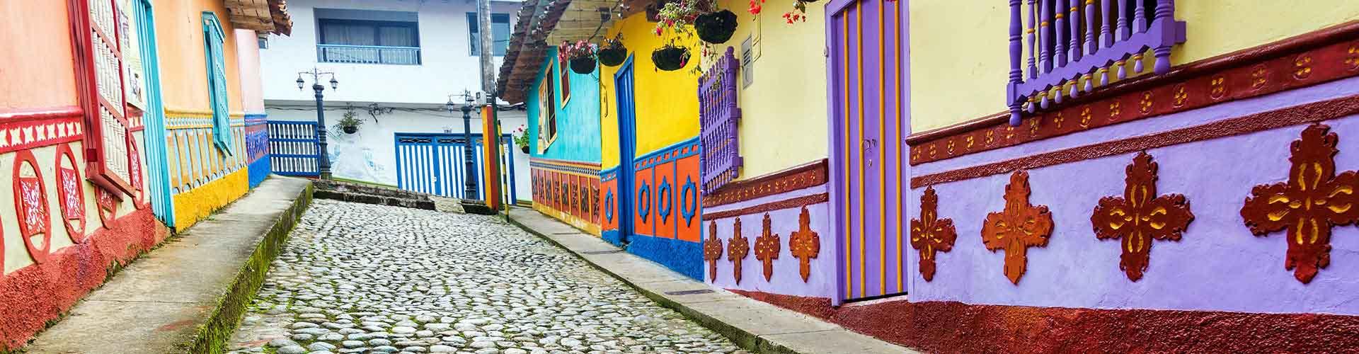 Medellin – Albergues em Medellin. Mapas para Medellin, Fotos e Avaliações para cada Albergue em Medellin.