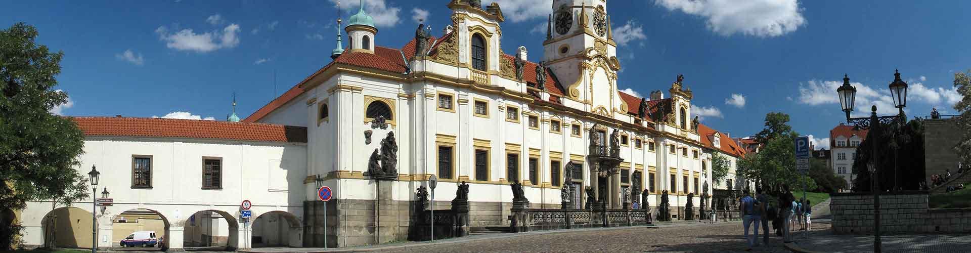 Praga – Albergues próximos a Loreta. Mapas para Praga, Fotos e Avaliações para cada Albergue em Praga.