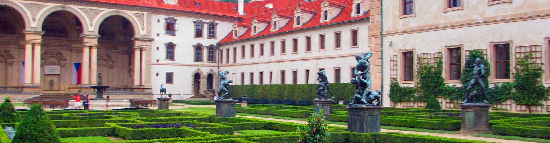 Praga – Albergues próximos a Wallenstein Palace. Mapas para Praga, Fotos e Avaliações para cada Albergue em Praga.