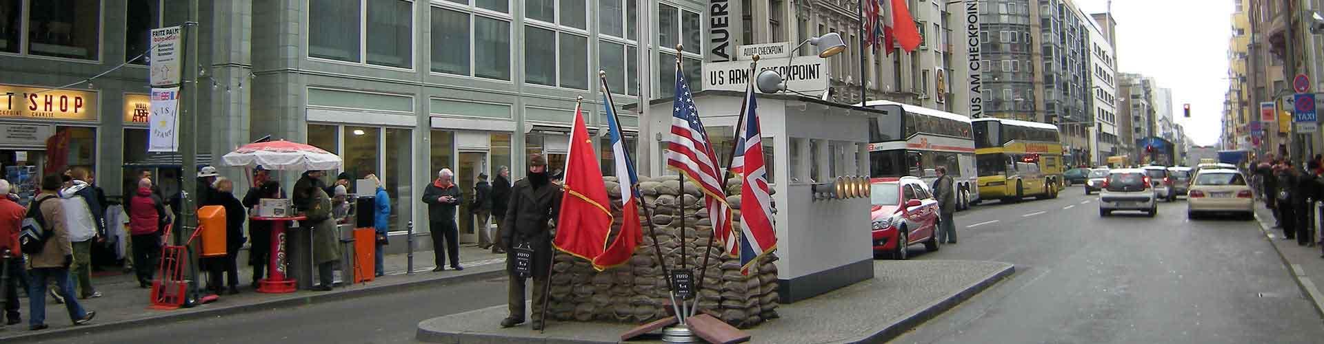 Berlim – Albergues próximos a Checkpoint Charlie. Mapas para Berlim, Fotos e Avaliações para cada Albergue em Berlim.