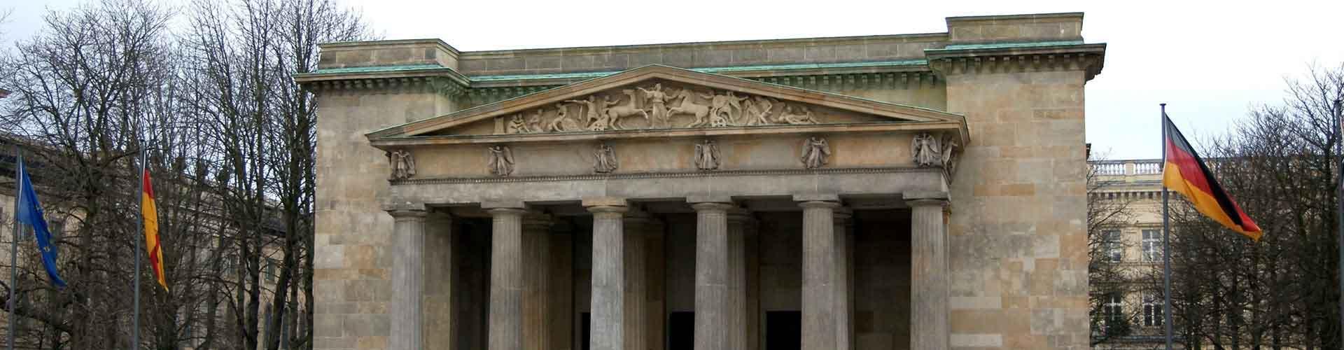 Berlim – Albergues próximos a Neue Wache e Zeughaus. Mapas para Berlim, Fotos e Avaliações para cada Albergue em Berlim.